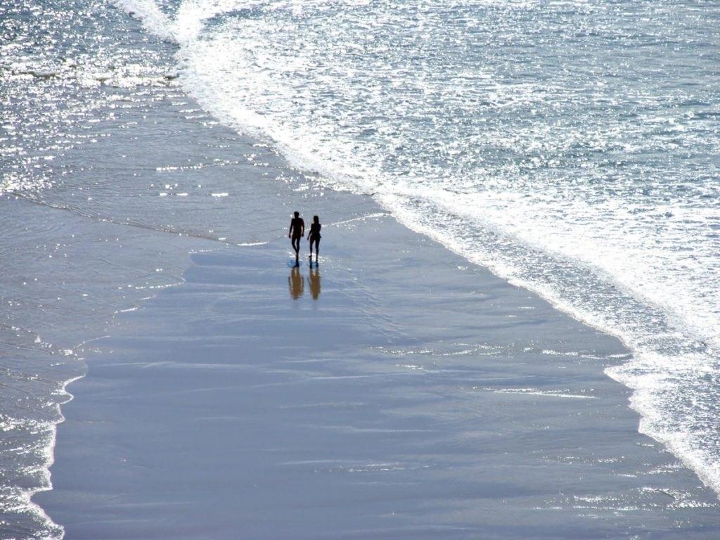 Граждане, раздеваемся! Обзор 10 самых знаменитых нудистских пляжей планеты