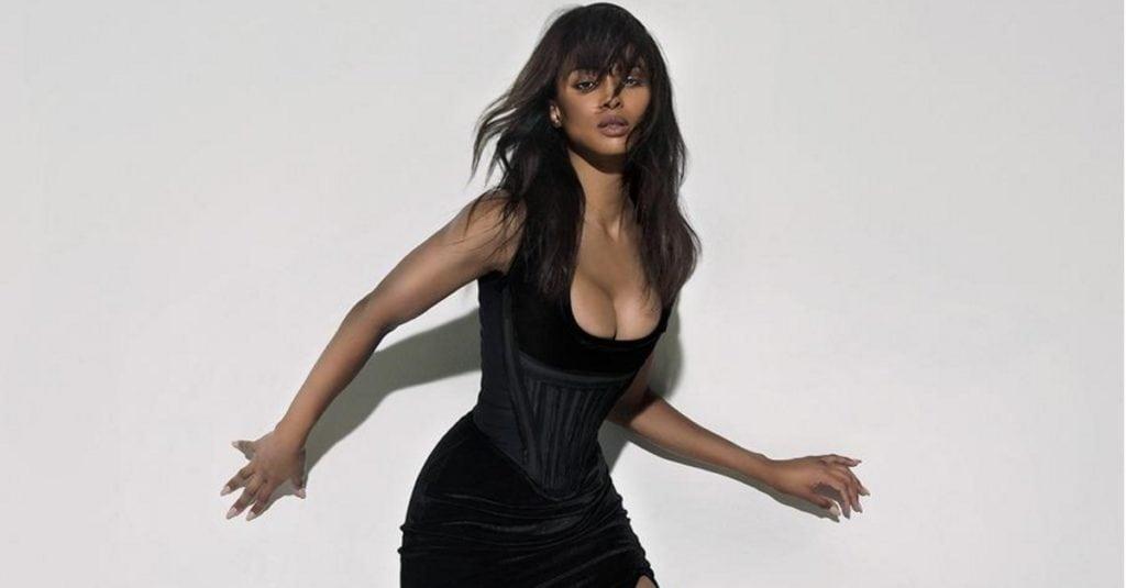 R&B мулатка с идеальным телом — Сиара