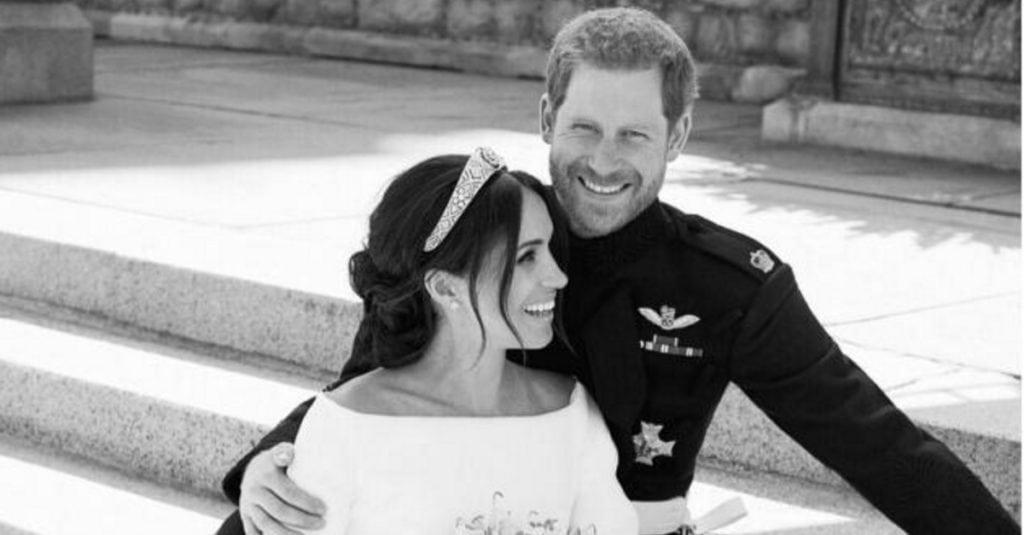 Принц Гарри и Меган Маркл опубликовали официальные свадебные портреты