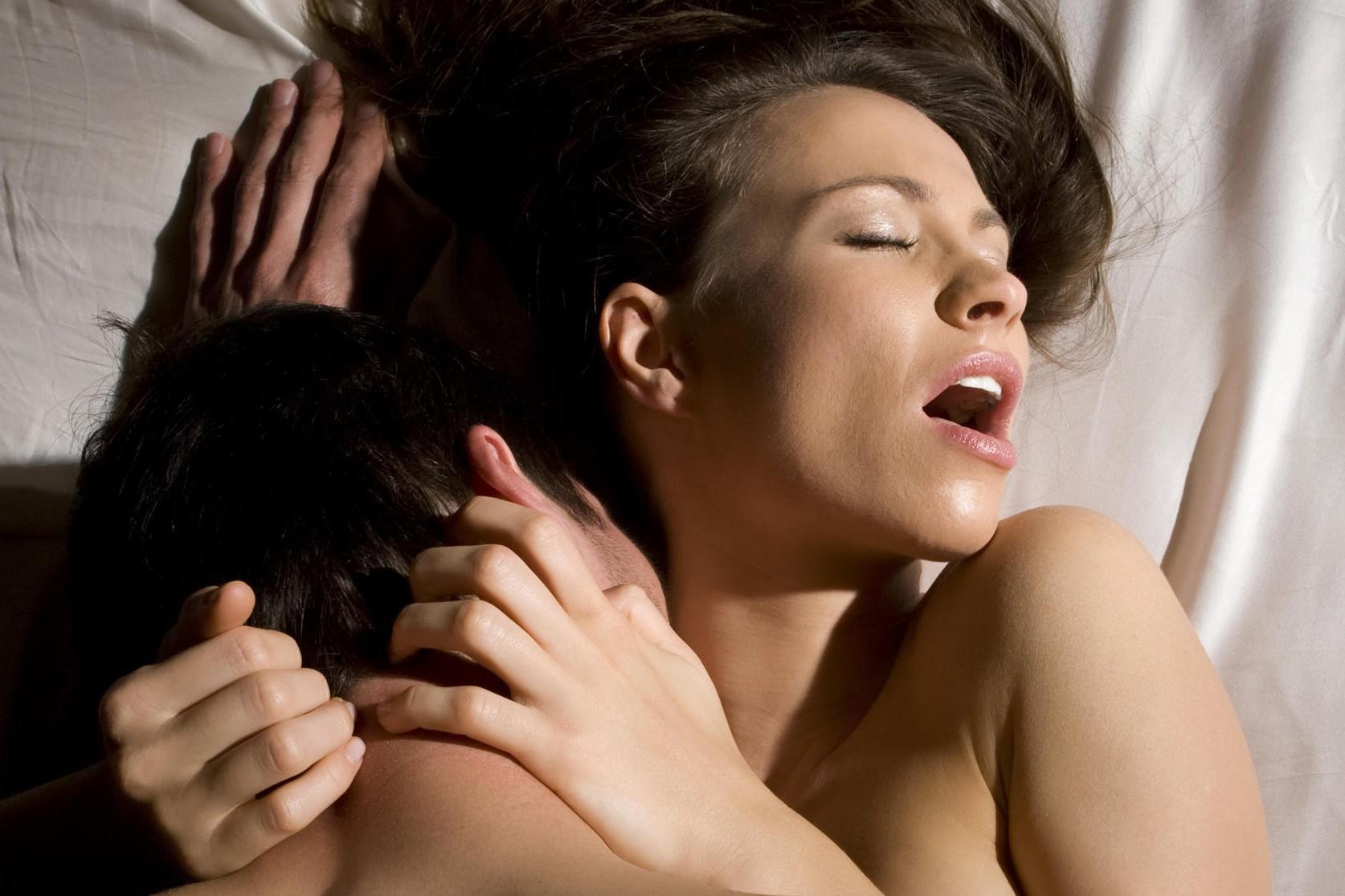 Как быстро доставить женщине оргазм?