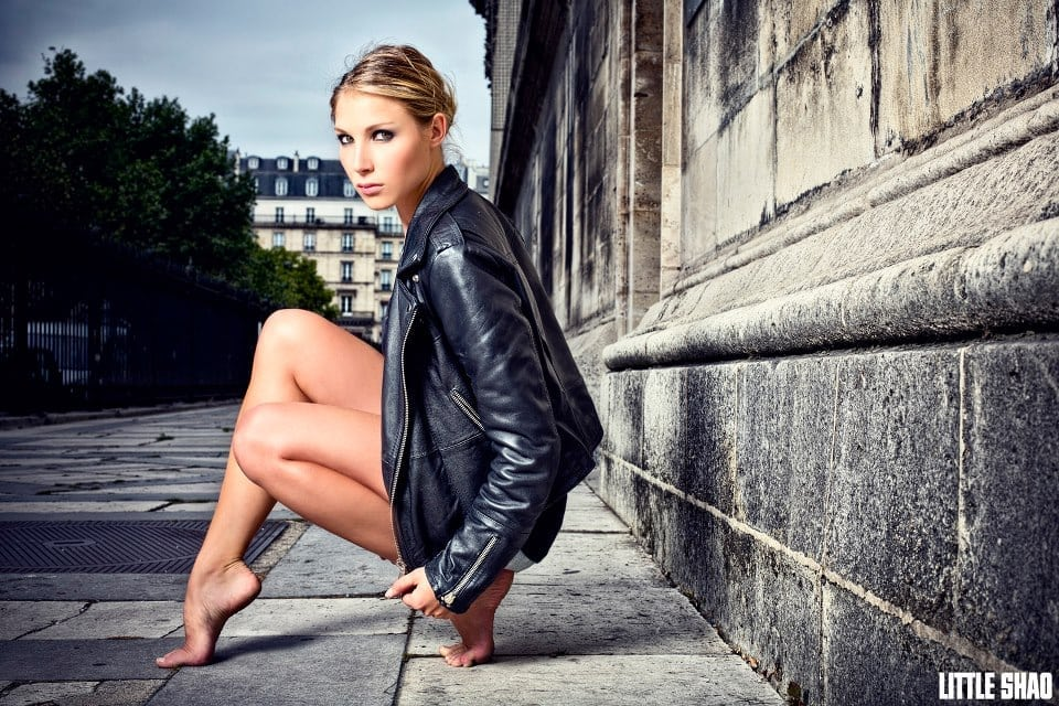 Nathalie Fauquette: гимнастка впечатлила прохожих танцем на улицах Парижа под музыку из русской песни «Выйду на улицу»