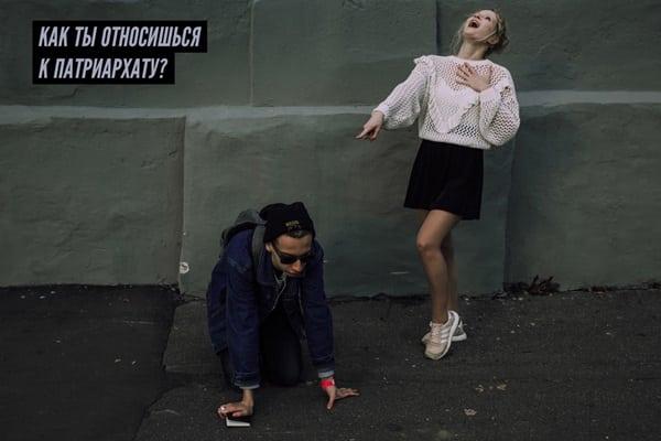 Звонкая Монеточка: как выглядит певица и кто ее родители (слив редких фото)