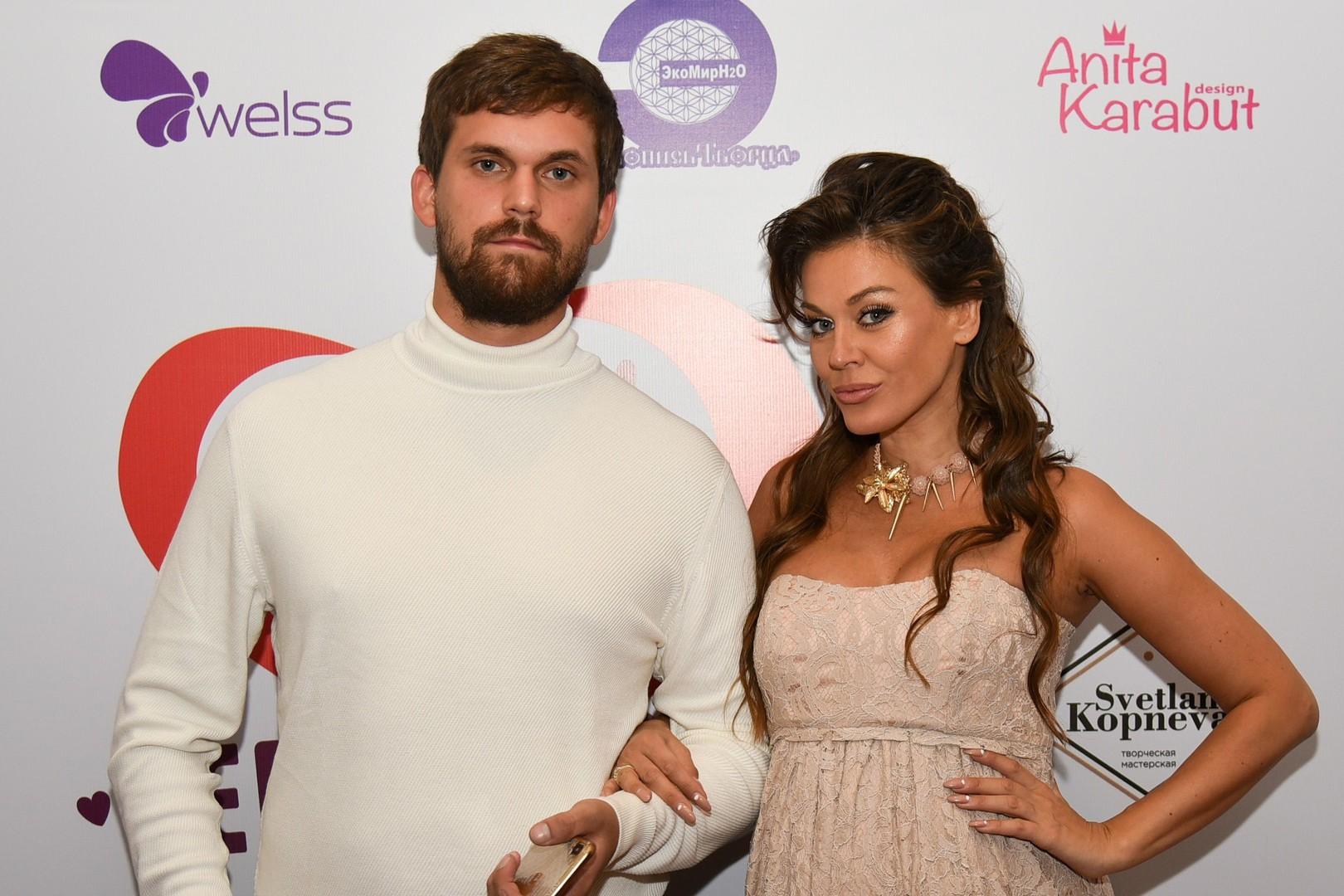 Дали за любовь медали: Терешина, Водонаева и Лель привели мужей на премию «Семья года-2018»
