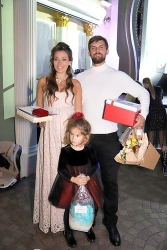 атьяна Терешина с мужем Олегом Курбатовым и дочерью Арис