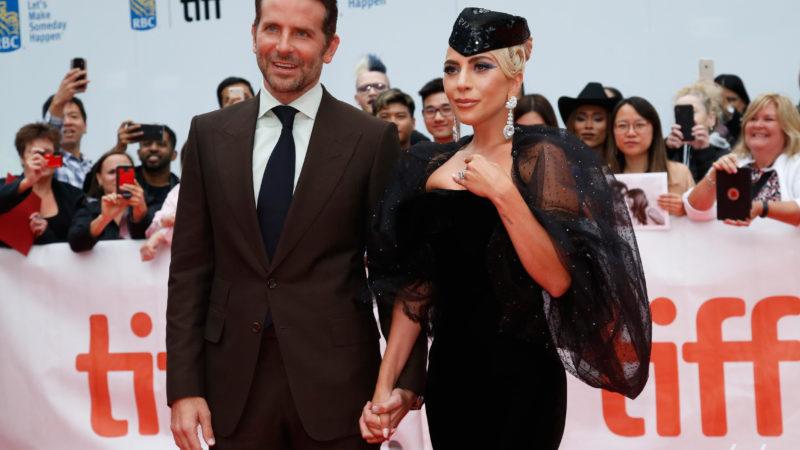Ирина Шейк не приехала поддержать Брэдли Купера на важном вечере, зато это сделала Леди Гага