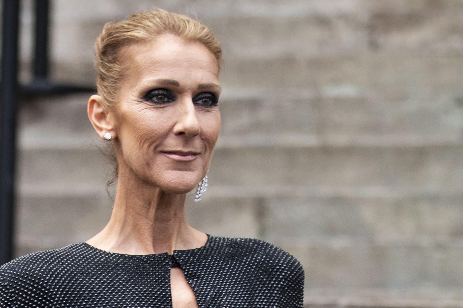 Селин Дион и в 50 может гулять по Парижу в прозрачном топе