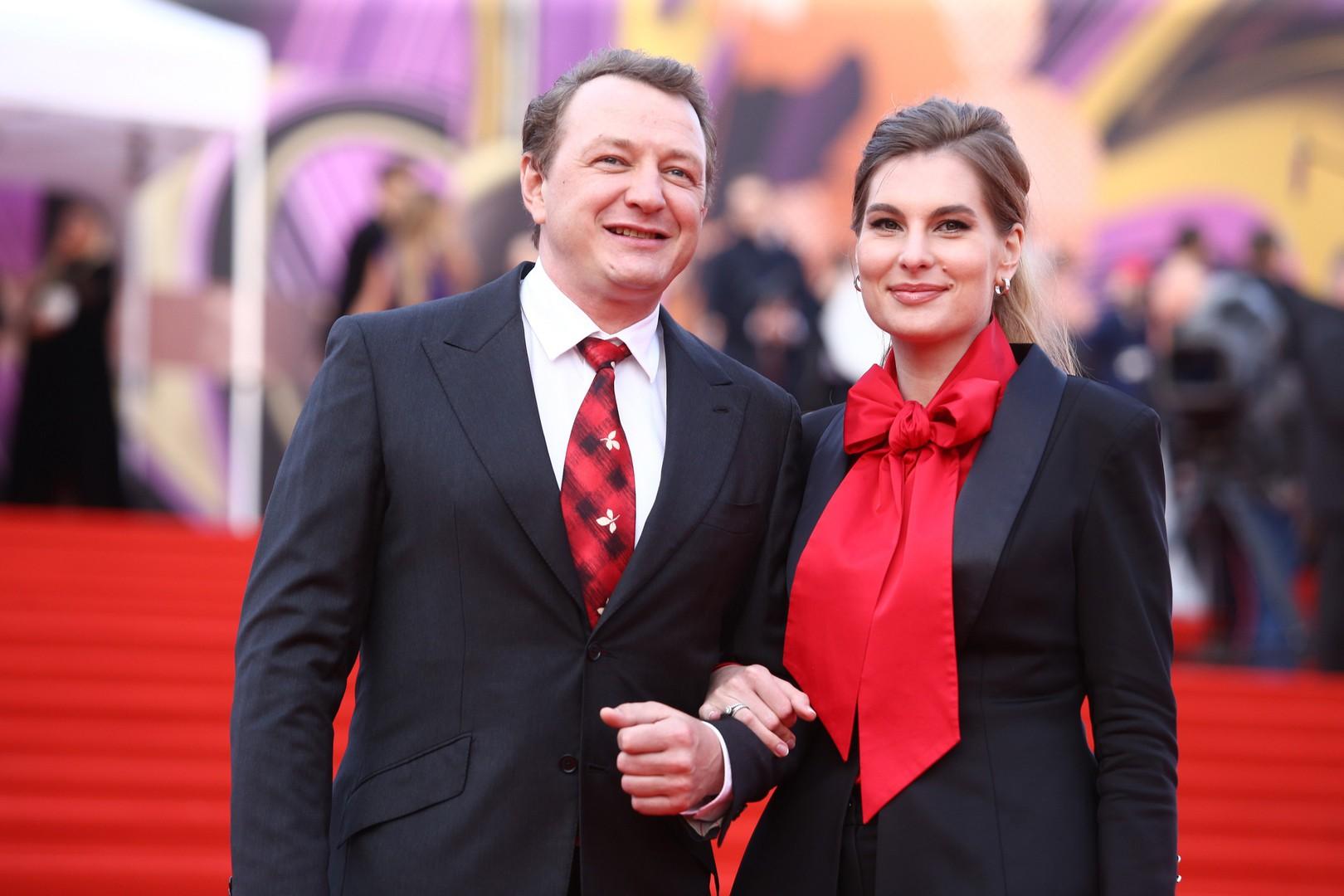 «Битва экстрасенсов» взяток не берет: избивший жену Башаров оправдывает шоу