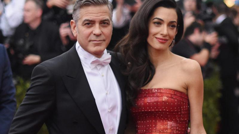 Так, разводятся, или нет? Джордж и Амаль Клуни поужинали в Голливуде