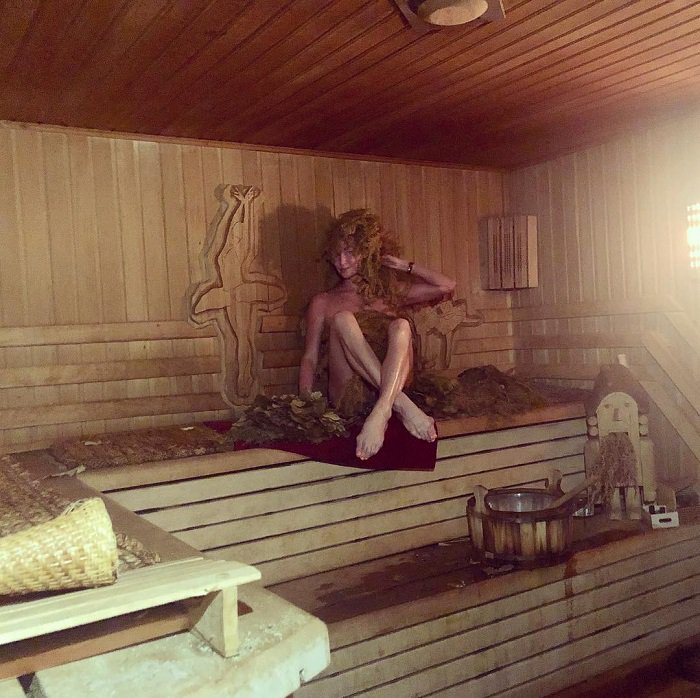 Собчак заявила, что установила скрытые камеры в бане Анастасии Волочковой с ее согласия