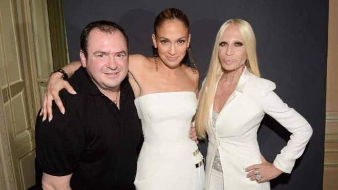 Умер Дизайнер Versace, создавший свадебное платье Анджелины Джоли