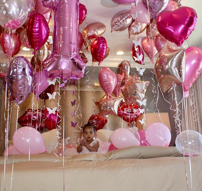 Как Ким, Кортни и Кайли, поздравили дочь Хлои Кардашян с днем рождения
