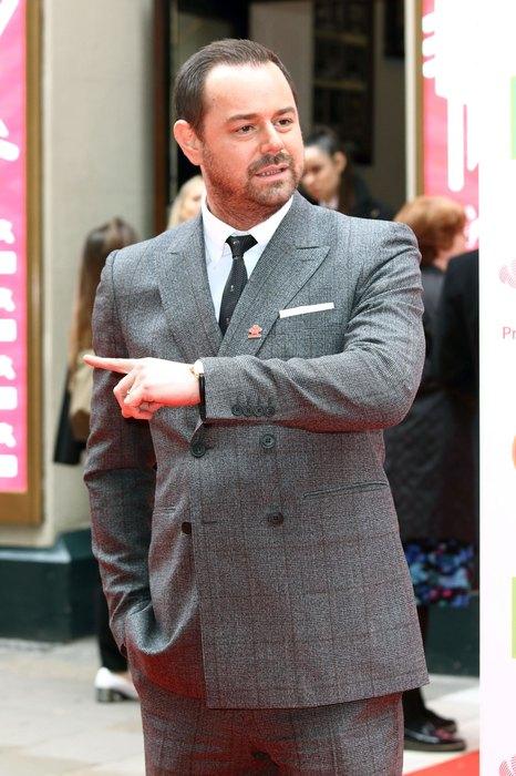 Британский актер оскорбил жену принца Чарльза слишком смелой шуткой