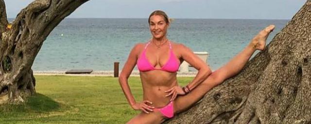 Анастасия Волочкова заявила, что мать из зависти рушит ее отношения