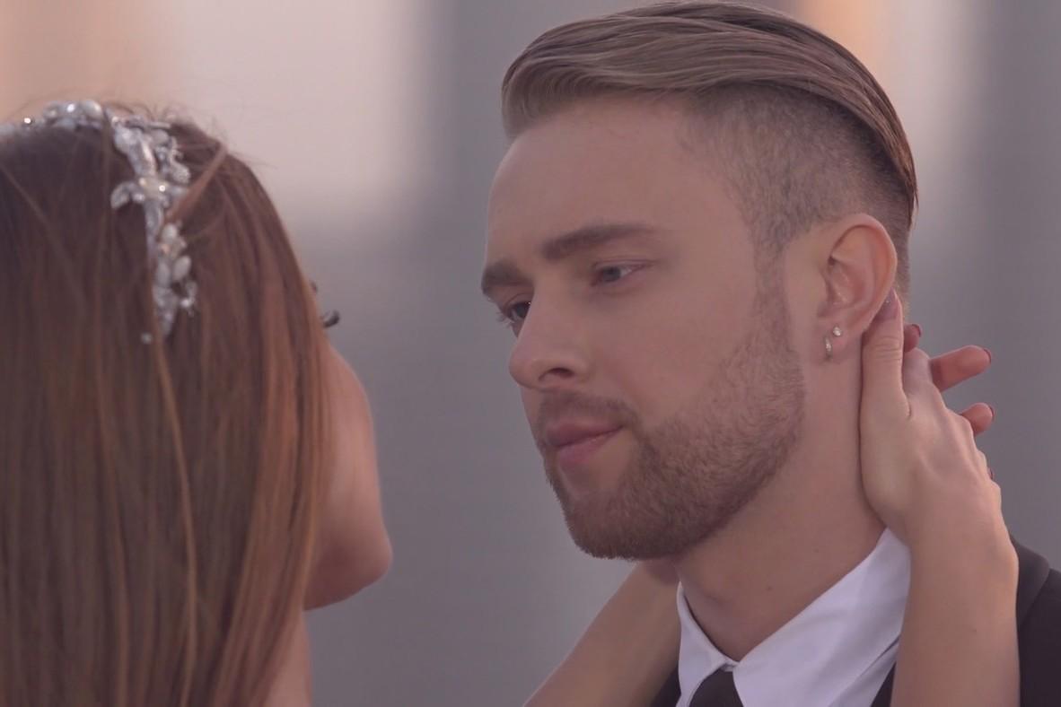 ТНТ отменил съемки нового сезона «Холостяка» после гей-скандала с Егором Кридом?